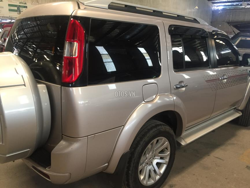 2015 Ford Everest XLT 4x2